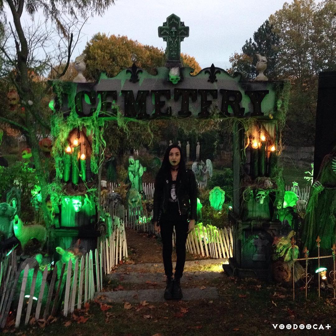 Хеллоуинское настроение от @lifeisapigsty