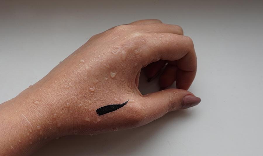 Водостойкая подводка для век Eveline Celebrities Eyeliner отзыв с фото
