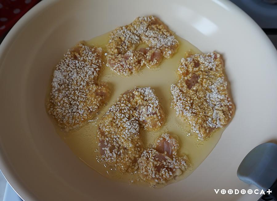 Куриное филе в панировке из кунжута пошаговый рецепт с фото